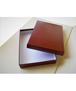 Elegant coated boxes color bordeaux